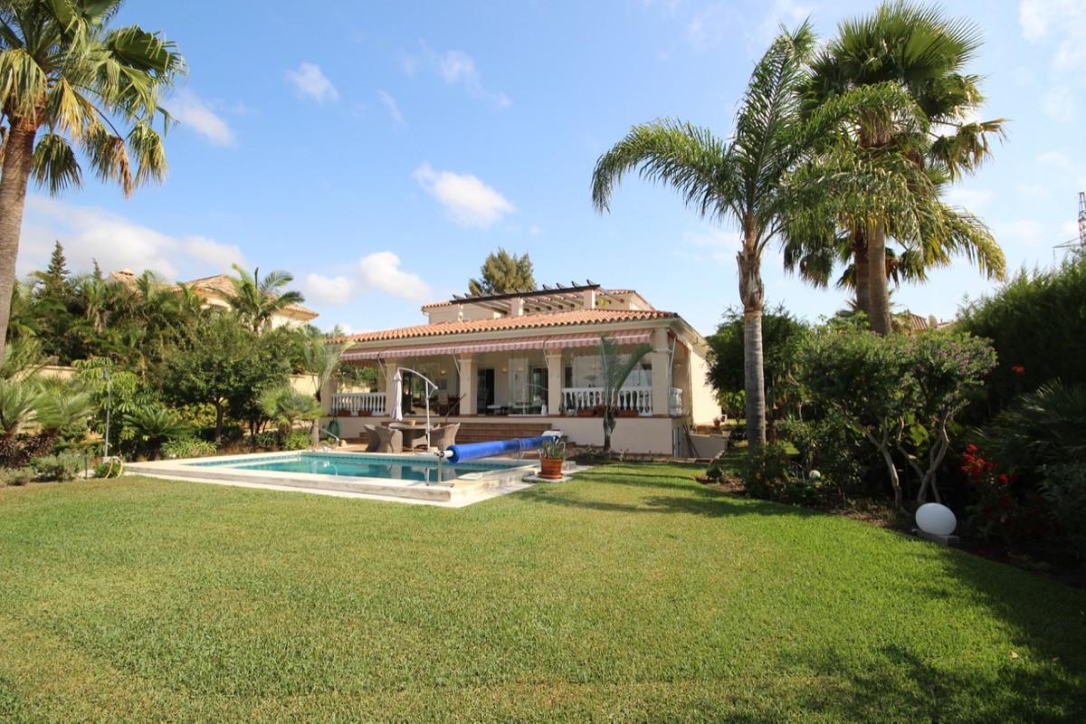 Villa, Detached  for sale    in Bel Air