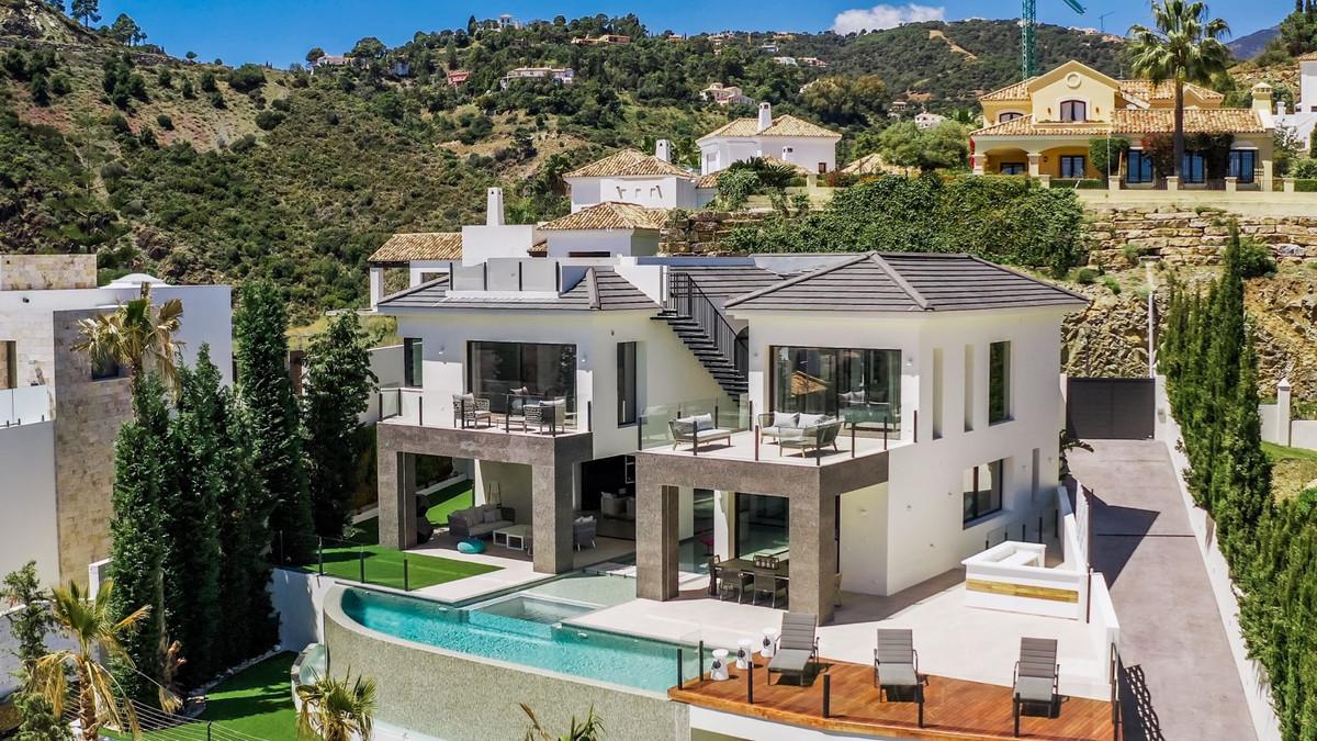 Villa, Detached  for sale    in La Quinta