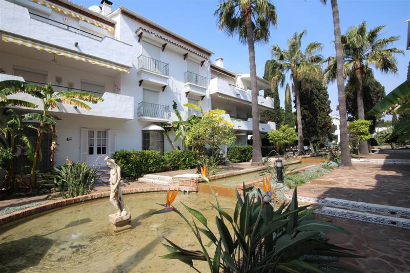 Apartment, Middle Floor  for sale    in El Presidente