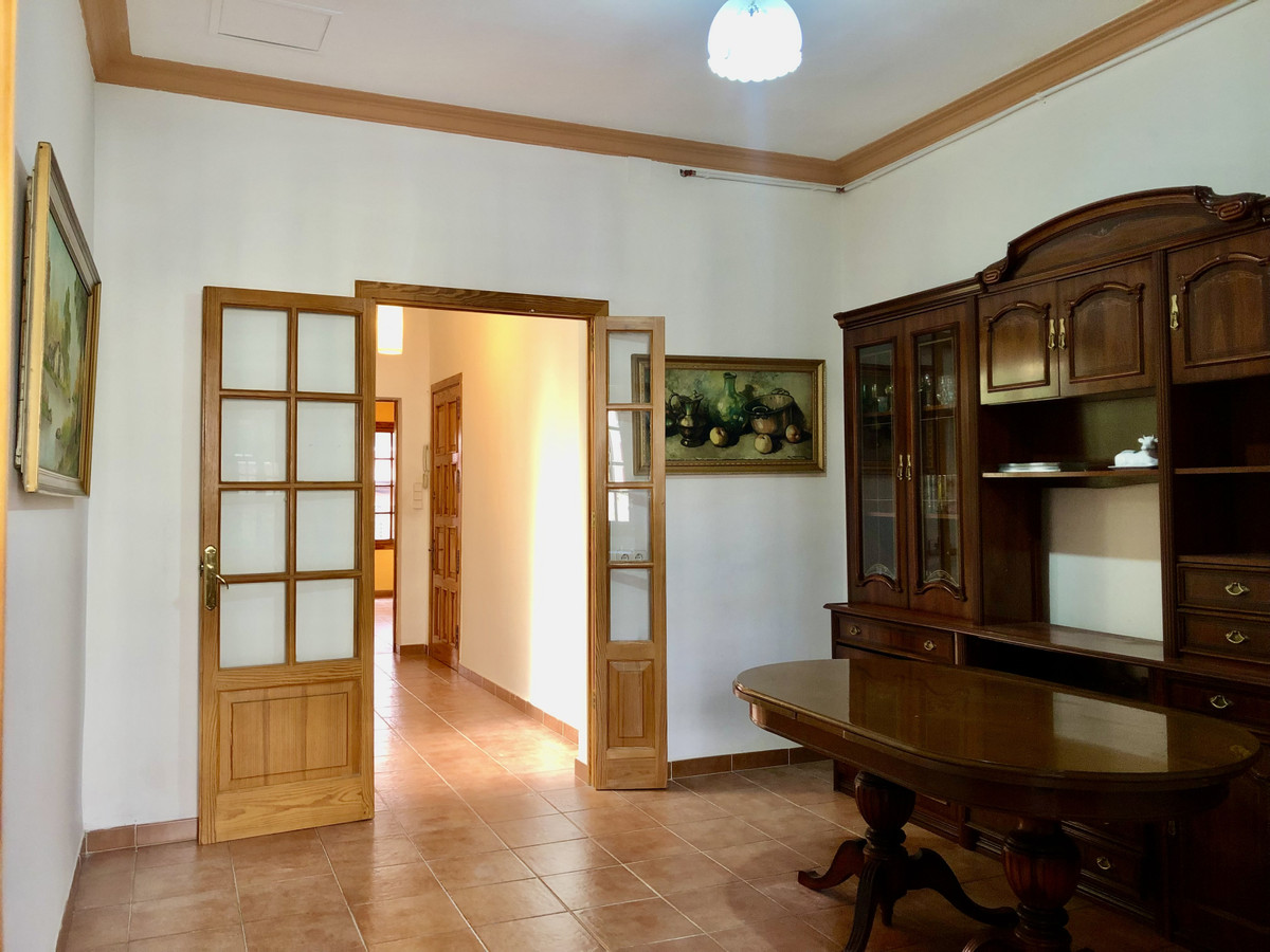 Beautiful downtown apartment near Aragon street, renovated is a first floor without elevator in a tw,Spain