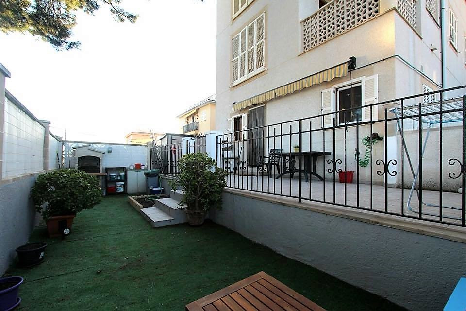 Housing in excellent condition, ready to move in. It has an approximate area of 75 m2 .. 2 double be,Spain