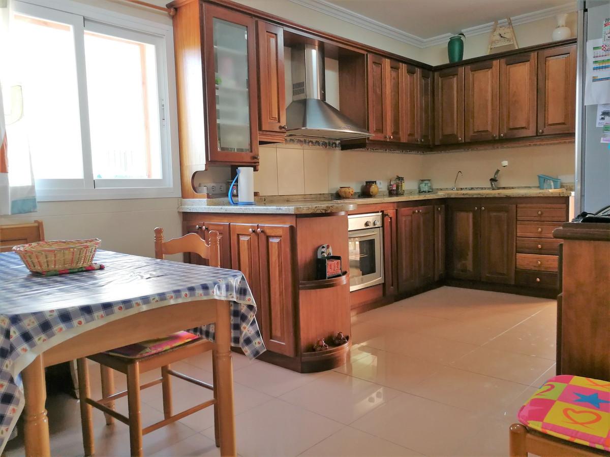 Es Figueral (Marratxi) large semi-detached house has 237 m2 built, in basement 85 m2 consisting of g,Spain