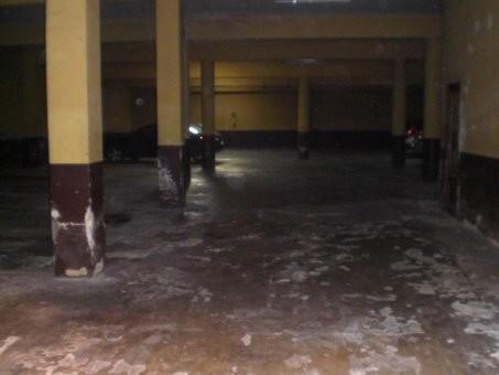 Local currently 630m2 garage + workshop annex of 60 m2, in total 690 m2.1 bathroom, you can put smokSpain
