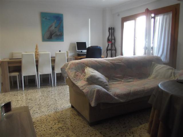Figueral Marratxi adosado de 210 m2 con terraza de unos 35 m2 ,dispone de 4 dormitorios  2 cocinas u,Spain