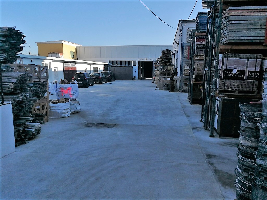 PALMA ZONE CALLE ARAGON NEAR THE PONT D INCA, industrial warehouse of about 580 m2 with a yard of 12,Spain