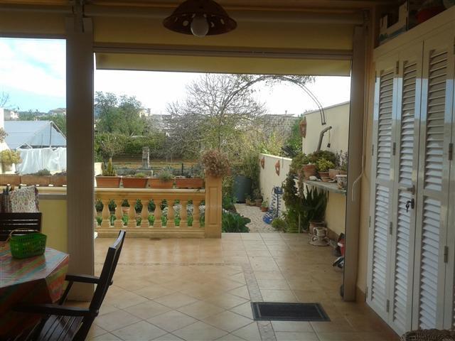 Algaida pueblo  150 m2 de vivienda  +garaje de 50 m2 +30 m2 de terraza+60 m2 de patio  dispone de 4 ,Spain