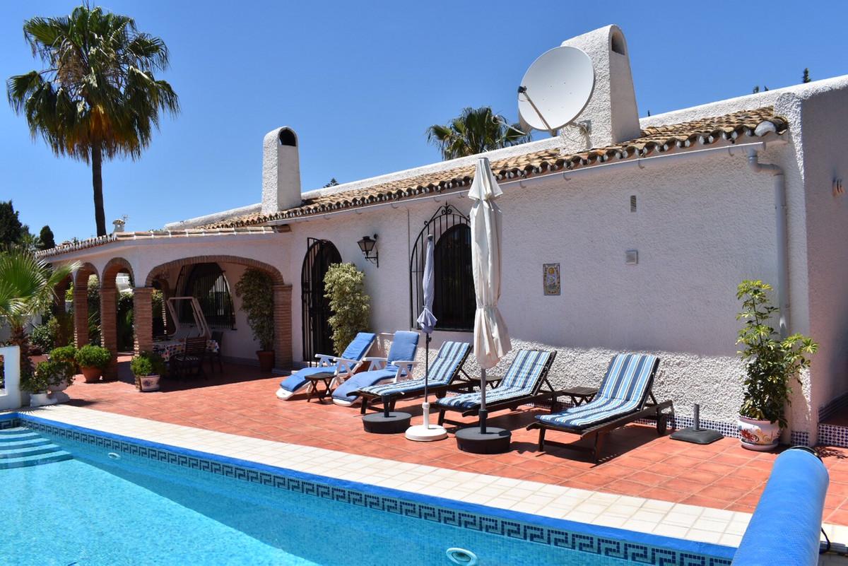Villa 3 Dormitorios en Venta El Coto