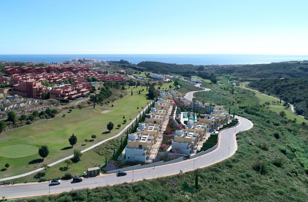 CR3304744: Apartment in Estepona