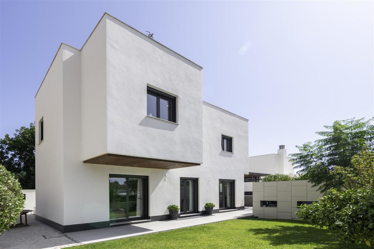 Villa  Detached for sale   in Torremolinos