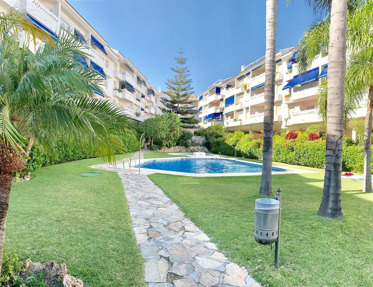 Middle Floor Apartment, San Pedro de Alcantara, Costa del Sol. 4 Bedrooms, 2 Bathrooms, Built 164 m²,Spain