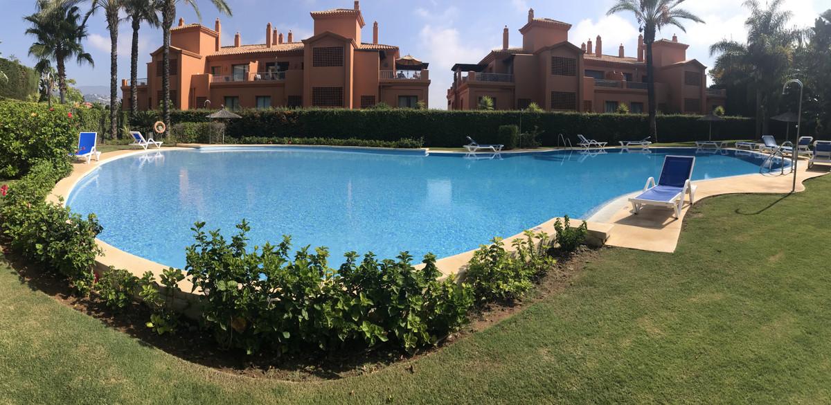 Middle Floor Apartment, Benahavis, Costa del Sol. 2 Bedrooms, 2 Bathrooms, Built 0 m².  Setting : Co,Spain