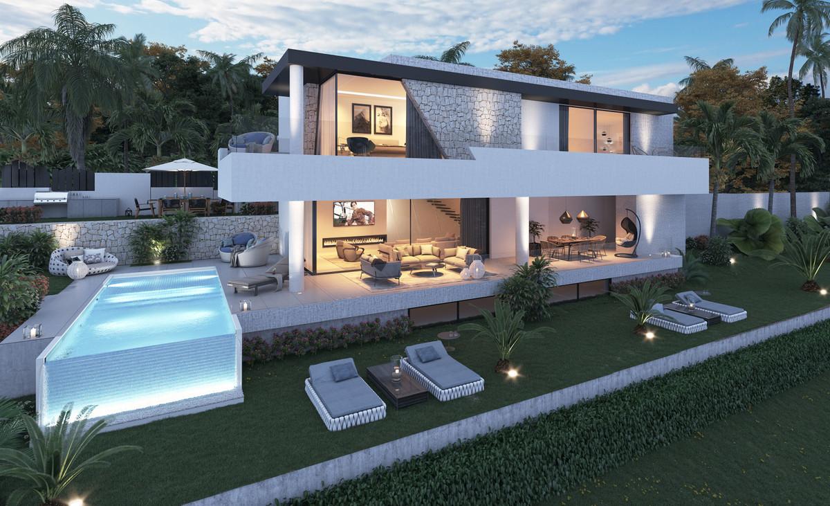 Ref:R3427057 Villa For Sale in Estepona