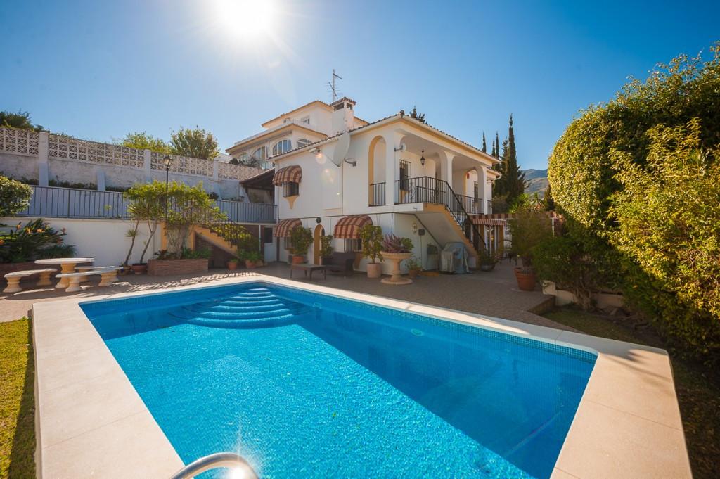 Villa - Chalet en venta en Benalmádena R3795181