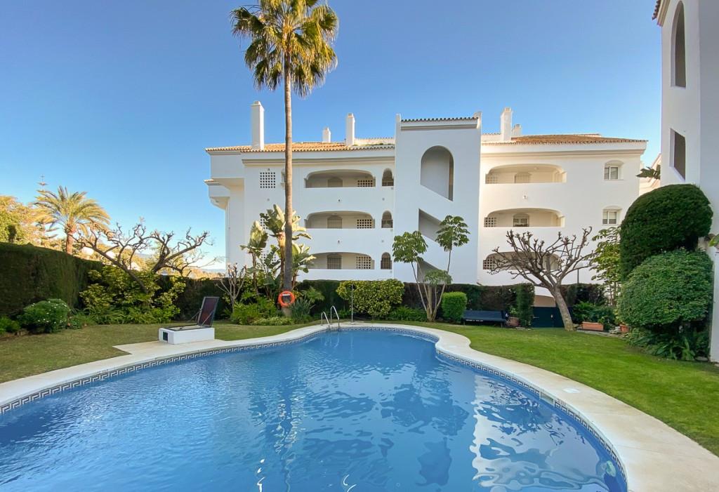 Apartament na parterze na sprzedaż w Marbella R3603437