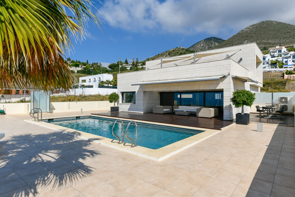 Detached Villa for sale in Benalmadena R3605498