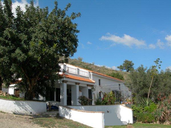 Finca - Cortijo for sale in Pizarra