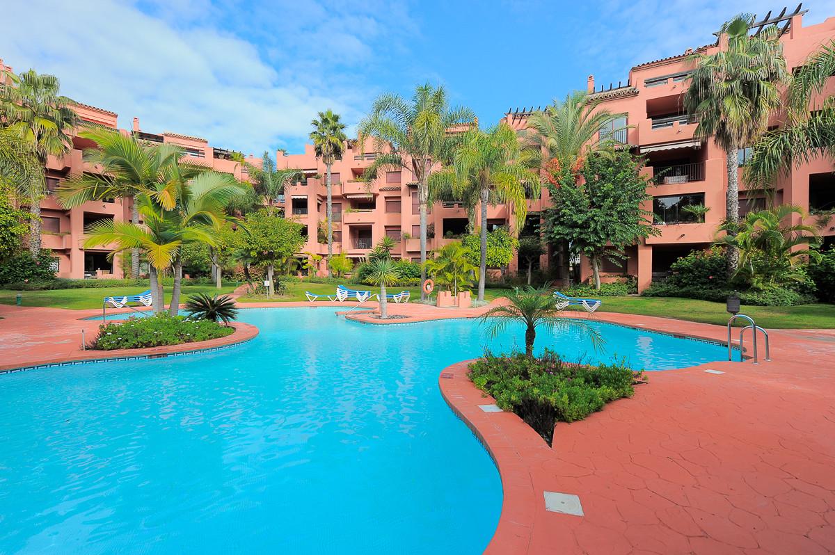 Apartment for sale in El Rosario - Marbella East Apartment - TMRO-R3298735