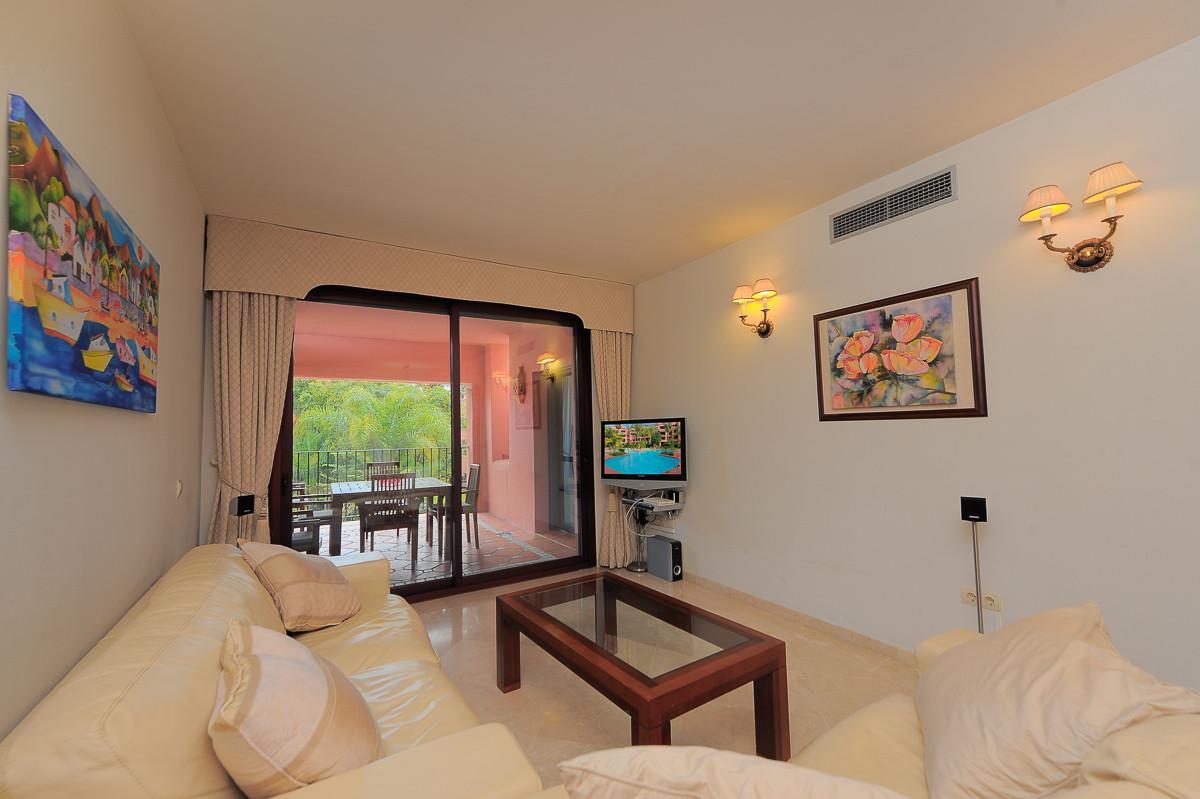 Apartment for sale in El Rosario, Marbella East