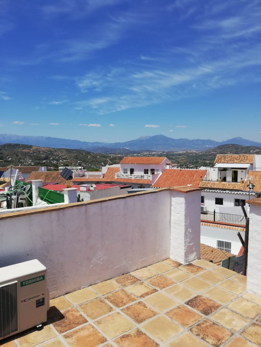 Great town house that we find in a highly sought after area near the center of Alhaurin el Grande. O,Spain