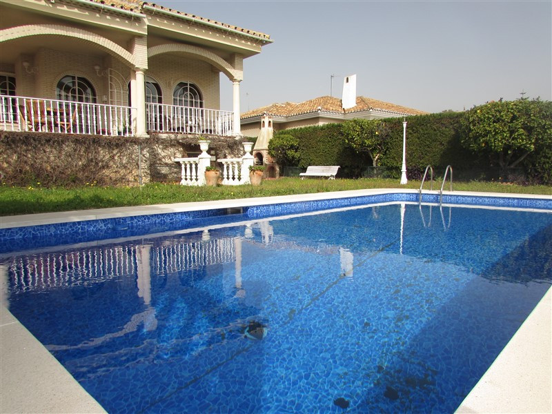 Villa Til salg i Málaga R2861195