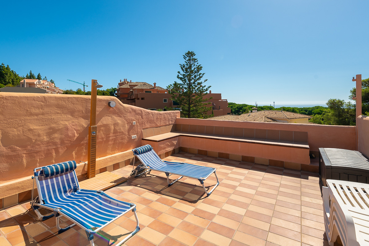A spectacular townhouse located in the Royal Cabopino complex. On entering the property you have a f,Spain