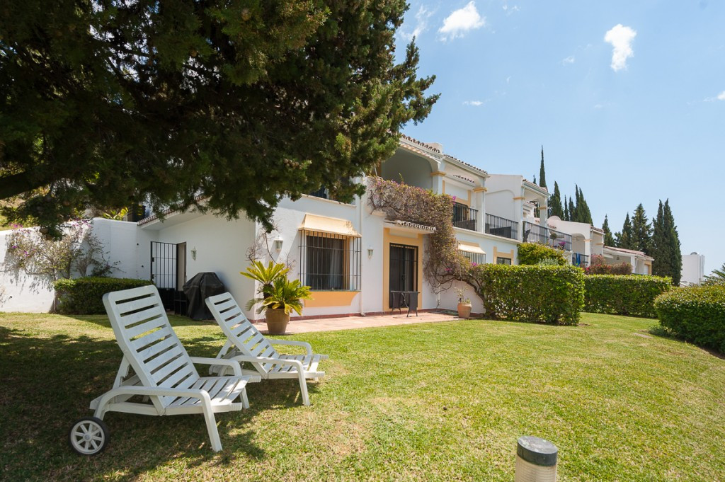 Unifamiliar, Adosada  en venta    en Marbella