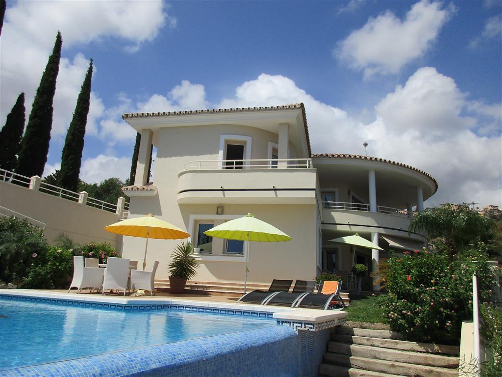 Villa - Chalet en venta en Benalmádena R3596434