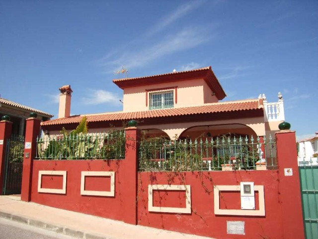 House in Alhaurín de la Torre R112474 1
