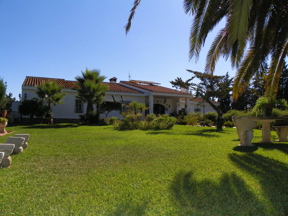 Villa 4 Dormitorios en Venta Puerto de la Torre