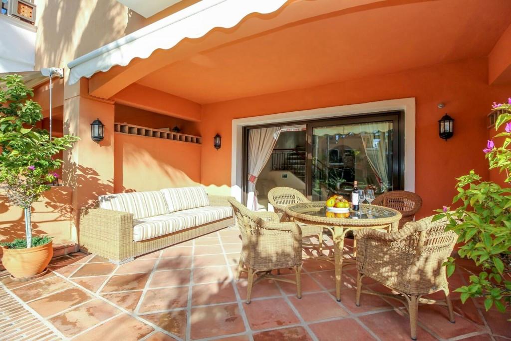 Maison mitoyenne en vente à Marbella R3076558