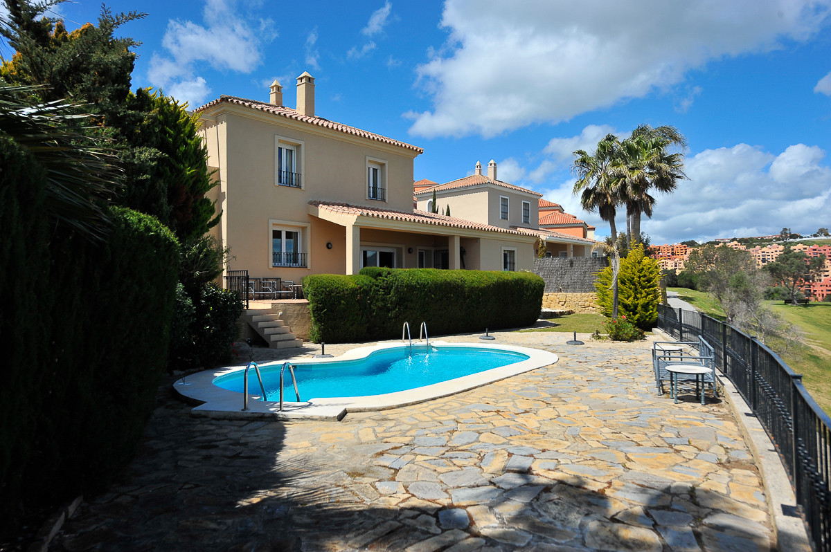 Fristående villa i La Duquesa R3139405