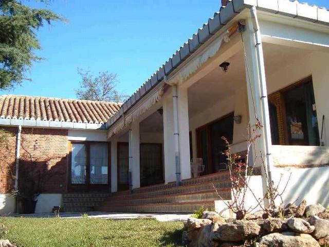 5 bed villa for sale calahonda