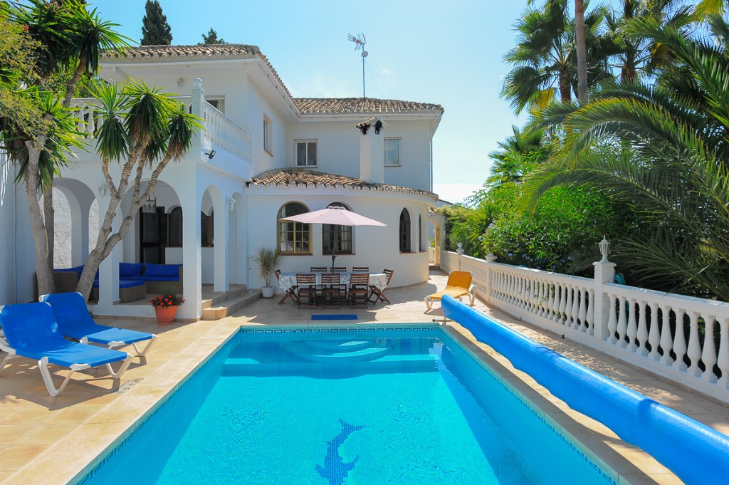 Originally listed at 799.000 € now reduced to 699.000 € .This is a fabulous villa located in the wel,Spain