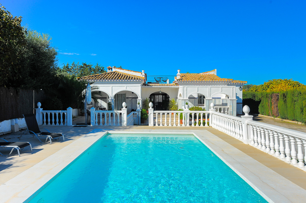 Fabulous finca in one of the most sought-after areas in Alhaurin de la Torre, with a flat plot of la,Spain