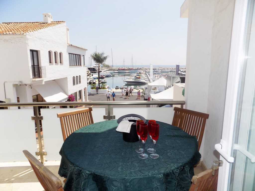 Ground Floor Apartment for sale in Marbella R3359197