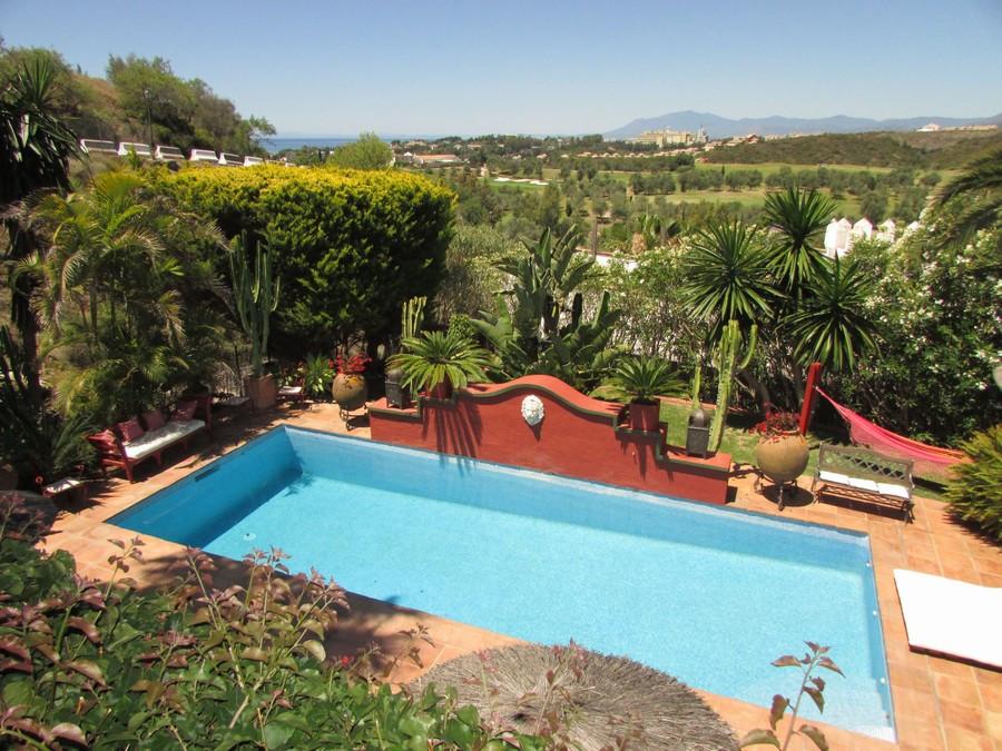 Detached Villa for sale in Marbella R2230844
