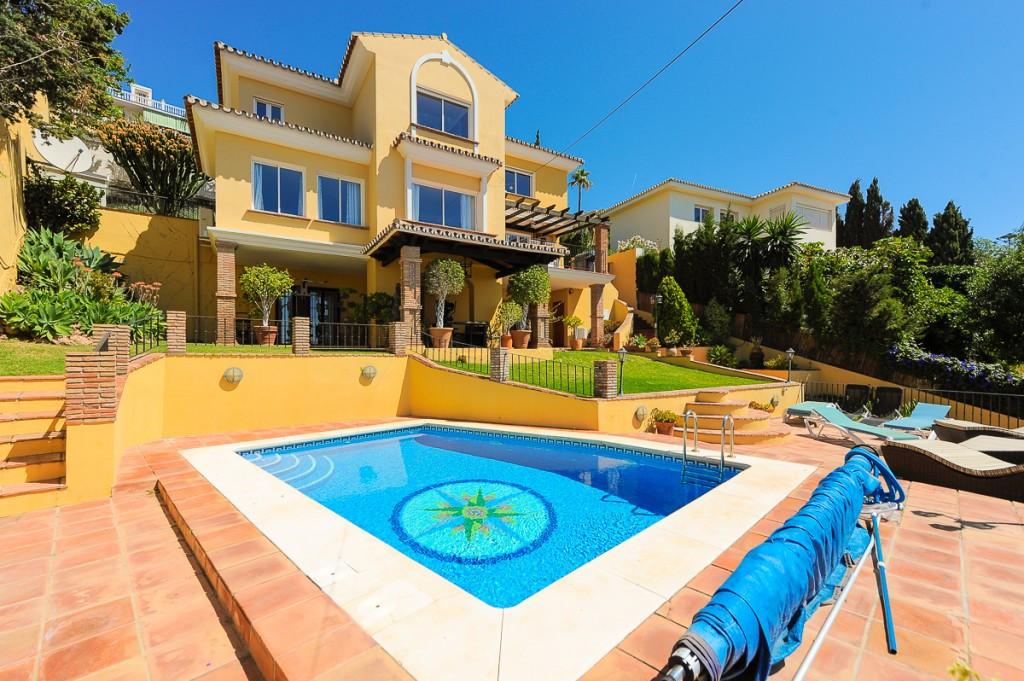 Villa - Chalet en venta en Benalmadena Costa R3418525