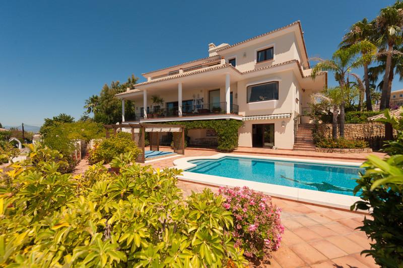 Fritliggende Villa i El Rosario R3452080