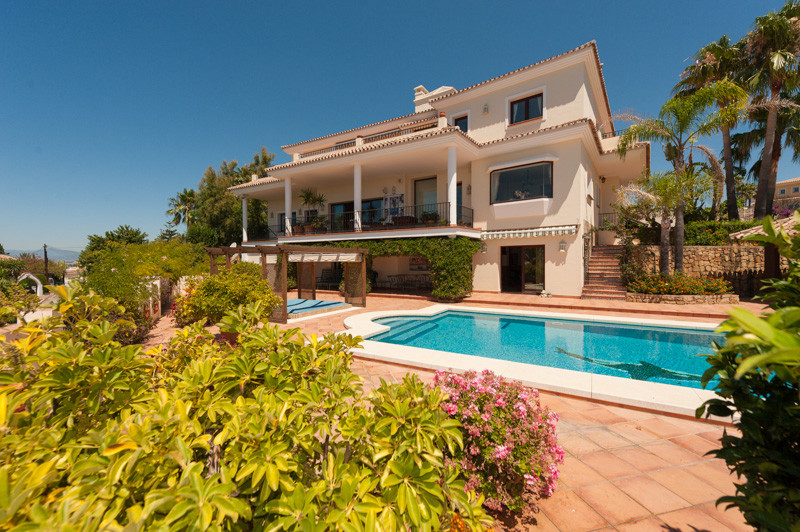 Detached Villa for sale in Marbella R3452080