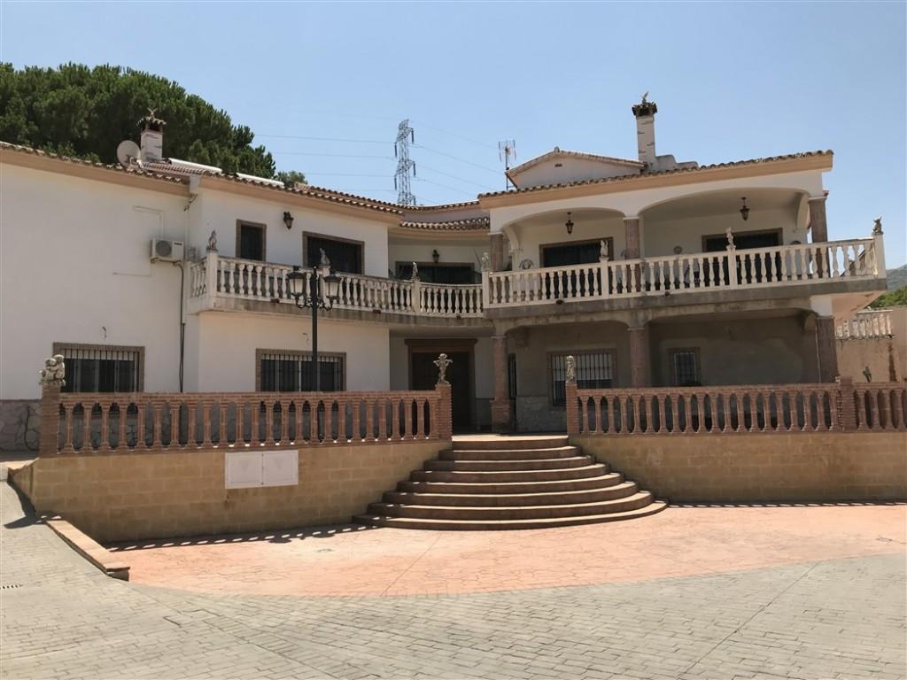 House in Alhaurín de la Torre R3233944 1