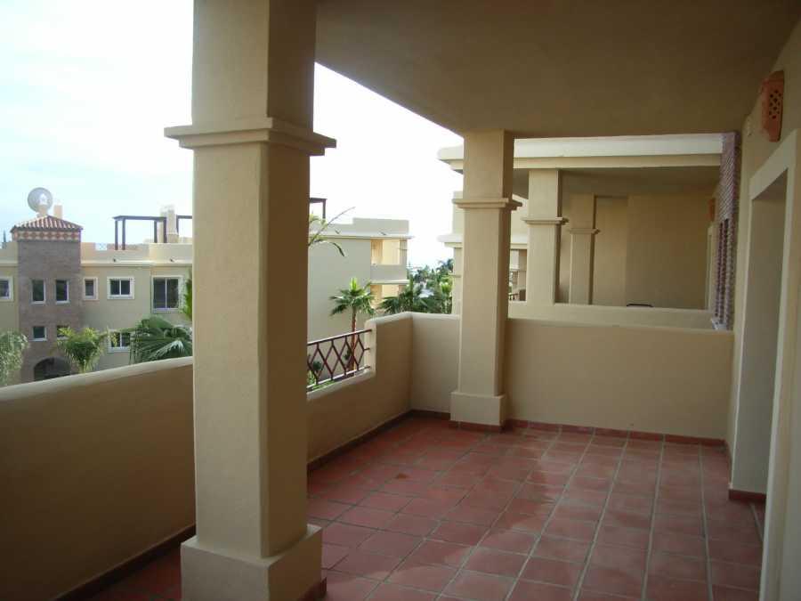 Ground Floor Apartment for sale in Estepona R112422