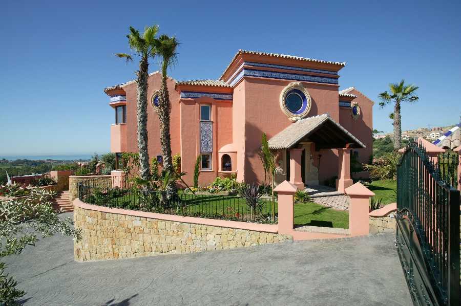 Detached Villa for sale in Benahavís R113056
