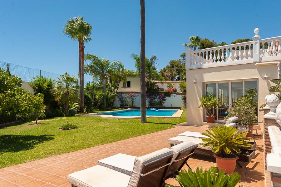 Villa Detached in Las Chapas, Costa del Sol