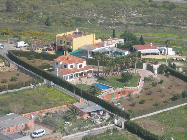 Fantastic villa in Estepona situated just a few minutes to all amenities, shops, restaurants, the ce,Spain