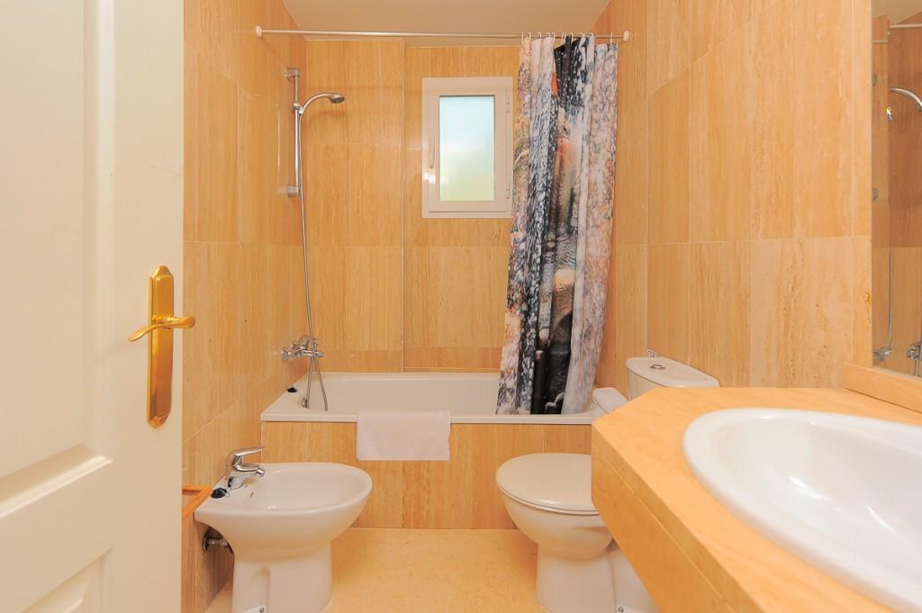 Apartment Ground Floor Marbella Málaga Costa del Sol R3219547 10