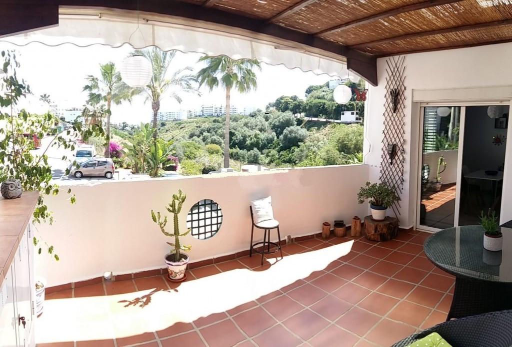 Splendid apartment in Riviera del Sol. It consists of 2 exterior bedrooms to the terrace, 2 bathroom,Spain