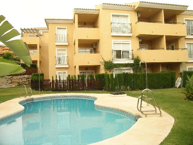 APARTMENT RIVIERA. CHEAP AS BANANAS!! This 2 bedroom, 1st floor apartment is located in upper Rivier,Spain