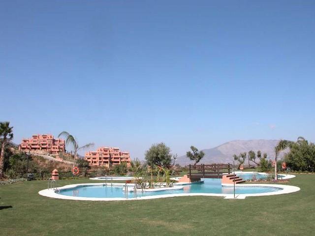 Apartment,  Quiet,  Fitted Kitchen,  Parking: Garage,  Pool: Communal Pool,  Garden: Community,  Fac,Spain