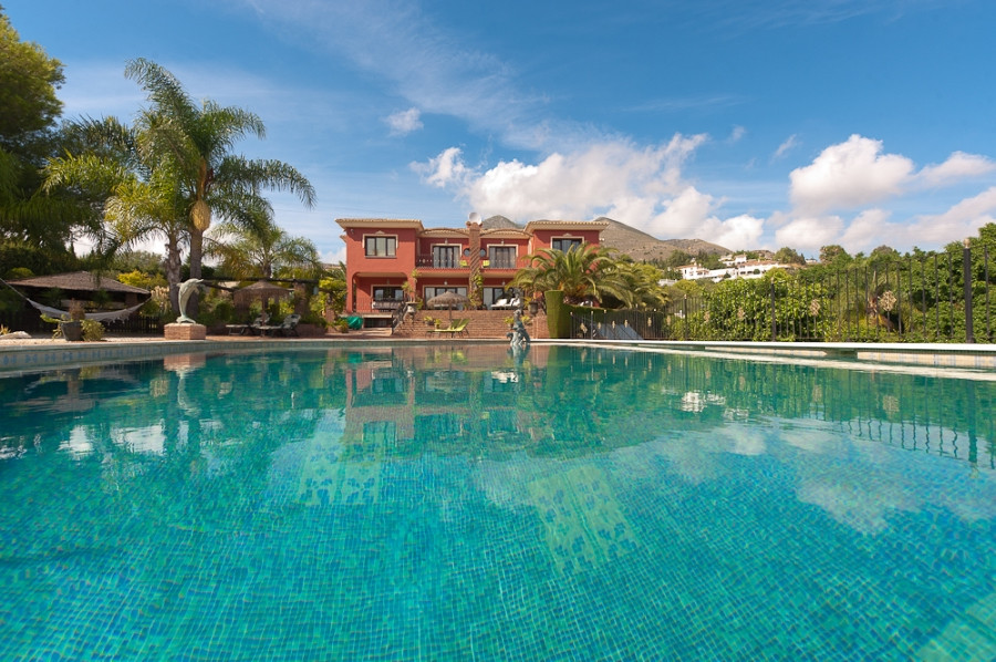 Detached Villa for sale in Benalmádena R126988