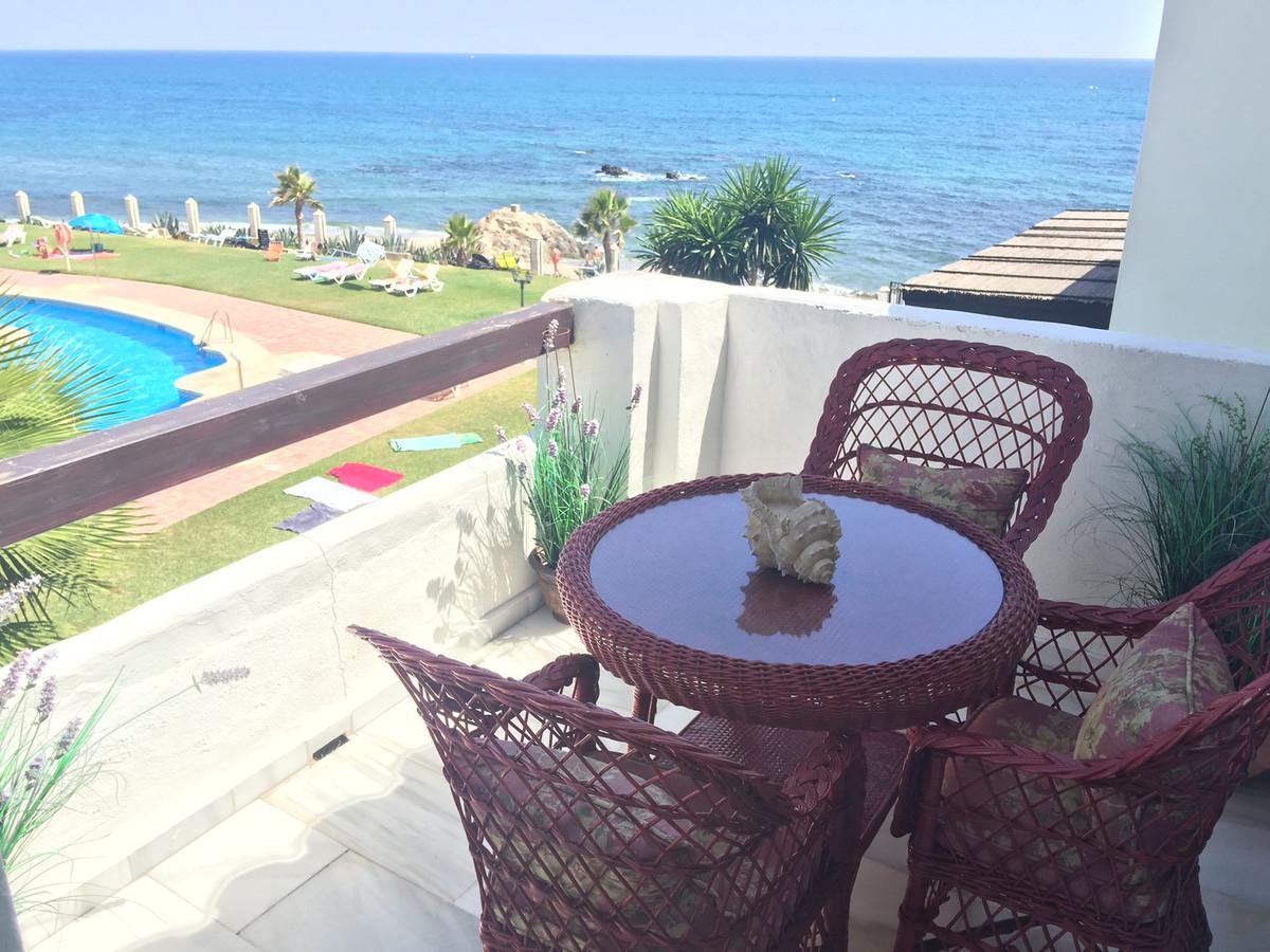 Apartment in Calahonda R2742623 1